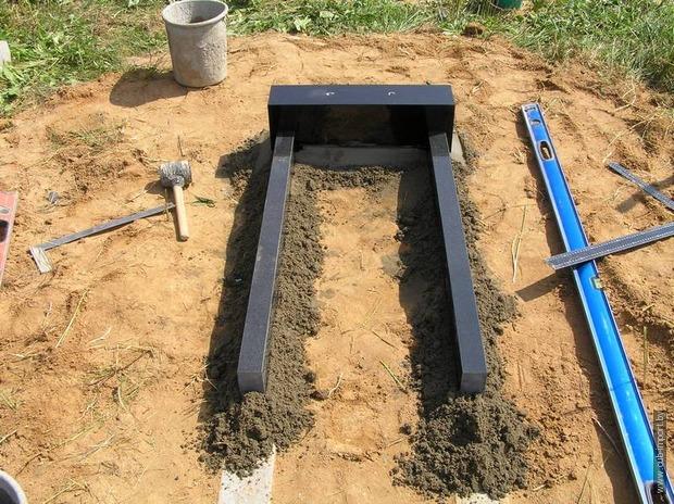 Как поставить памятник на могилу самому видео гранитные памятники на кладбище химки